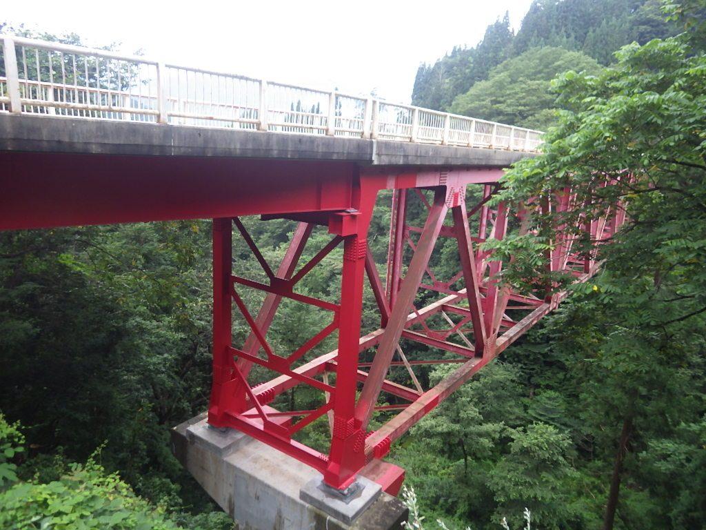写真 修復が完了した奉納大橋